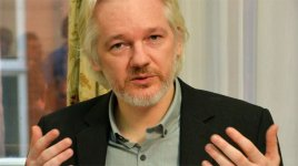 Ассанж передаст хакерские программы шпионской империи IT-компаниям
