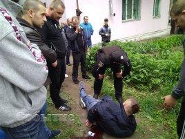 Видео задержания таксистами боевиков Яроша в Днепродзержинске