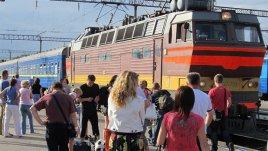 Журналист сел в поезд с украинцами и выслушал их тайны и печали