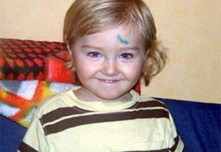 Photo of На Дарнице двухлетний ребенок упал в открытый люк