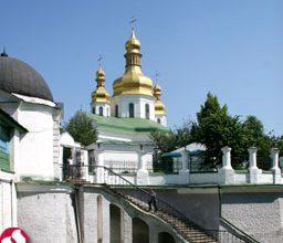 Photo of Азаров пообещал Патриарху Кириллу освободить Лавру