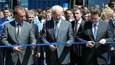 Photo of Азаров пообещал пустить авто по «мосту Кирпы» в 2011 году