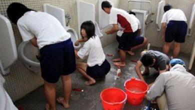 Photo of В Японии всех школьников отправили на парашу