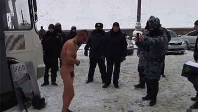 Photo of «Беркут» раздел и избил активиста «евромайдана»? Ага…
