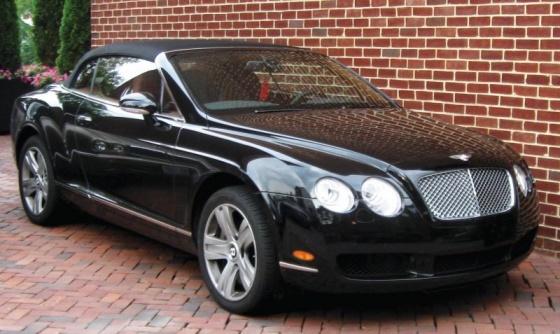 Автомобиль, которым пользуется депутат, в салонах стоит от двух миллионов гривен и больше