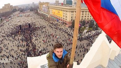 Photo of Погнали наши рагулей: майдауны в Харькове на коленях