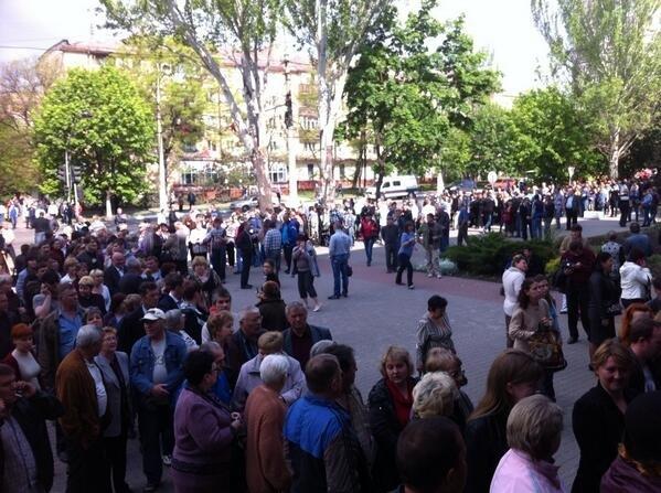 Очередь как в Мавзолей – жители о референдуме  на Донбассе