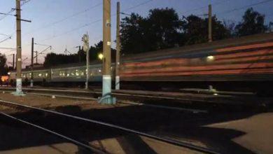 Photo of Во Львов прибыл поезд, перекрашенный в цвета Георгиевской ленточки