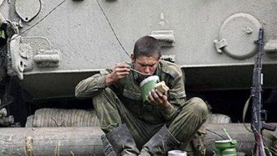 Photo of Жители Славянска накормили голодных украинских силовиков пирогами со снотворным
