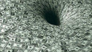 Photo of Россияне массово выводят деньги из банков США