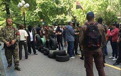 Активисты Майдана штурмовали здание ГПУ