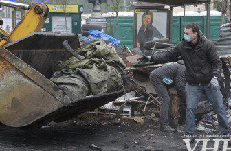 Photo of На Майдане построят новые баррикады из бетонных блоков