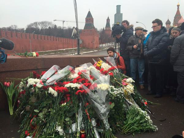 1 марта - кто не скачет на тушке Немцова, тот Путин