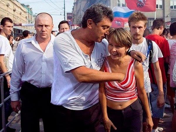 Борис Немцов занимался сексом прямо во время митингов