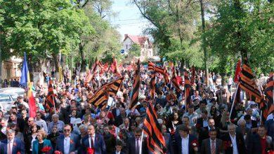 Photo of Запад в шоке: в Кишинёве, в марше под красными знамёнами Победы приняли участие 65 тысяч человек