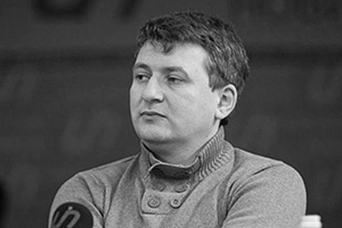 Т.н. киевский политолог Юрий Романенко прямо призывал избирательно убивать российских журналистов
