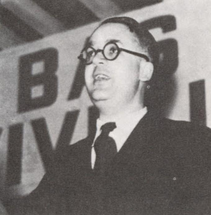 Робер Бразильяк, писатель и журналист, сотрудничавший с нацистами и призывавший к уничтожению людей, был расстрелян в 1945-ом году