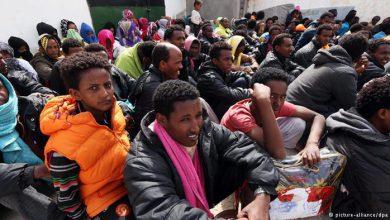 Photo of Глава МВД ФРГ в шоке: откуда у беженцев куча денег?