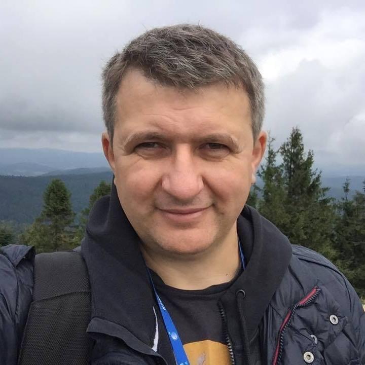 Политический олух Юрий Романенко