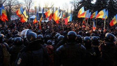 Photo of Запад спасает своё холуйское правительство вороватых олигархов в Молдавии
