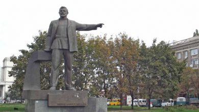 Photo of В Днепропетровске нацисты снесли памятник строителю украинской государственности