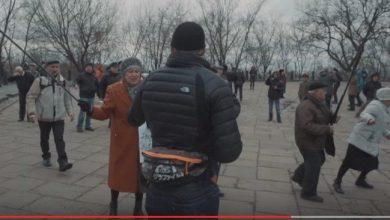 """Photo of Пожилые """"ватники"""" сумели защитить """"совковый"""" митинг от """"проевропейской молодежи"""""""