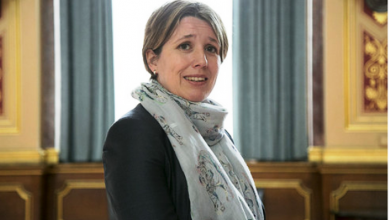 Photo of Английский посол в Украине призналась в том, что она лесбиянка в поддержку ЛГБТ