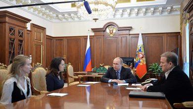 Photo of Путин встретился с родственниками убитых Надеждой Савченко россиян