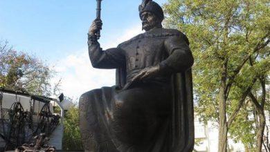 Photo of «Война с памятниками» перекинулась на «украинских героев»