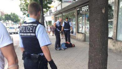 Photo of Сирийский беженец порубал людей на улицах немецкого Ройтлингена