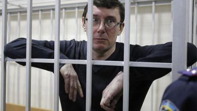 Photo of Пресс-секретарь генпрокурора путчистов просит СМИ забыть его фото за решёткой
