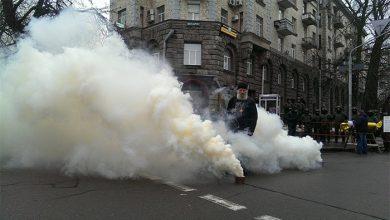 Photo of Узурпатор защищается от рагулей дымовыми шашками