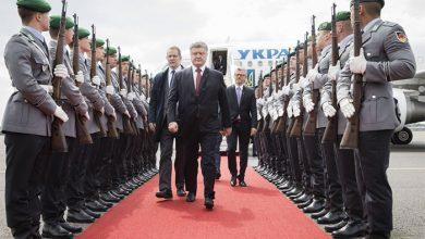 Photo of Порошенко сгонял рабов изображать радость по «безвизу»