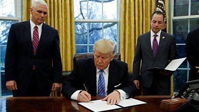 Photo of Президент США подписал закон об антироссийских санкциях и выразил недовольство