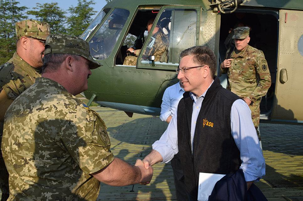 Спецпредставитель США по Украине Курт Волкер в Донбассе