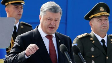 Photo of Порошенко освятил своей брехнёй парад «незалэжности»