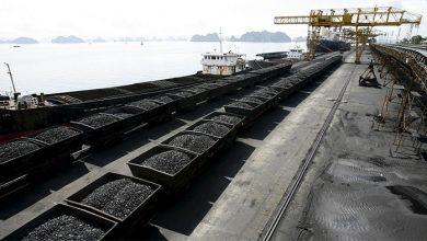Photo of Чиновники ОПГ Порошенко встретили уголь из США гимном