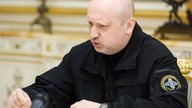 Photo of Украина готовится к войне: Порошенко сам себя отстранил от командования