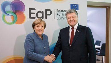 Photo of Порошенко в Германии договорился принять 20 тысяч мусульман беженцев?