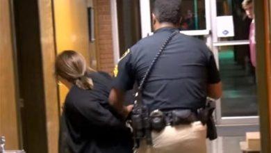 Photo of Высокие стандарты свободы: в США арестовали учительницу после жалобы на зарплату