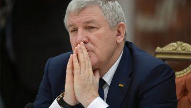 Photo of Бывший министр обороны Украины получил статус беженца
