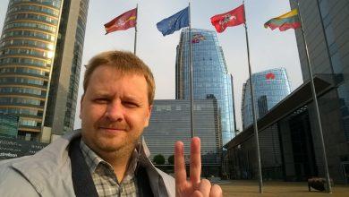Photo of Какой-то лох решил прославится — ночью суд рассмотрит иск о снятии Зеленского с выборов