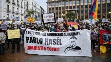 Photo of Испанская олигархия требует освободить Навального и бросает в тюрьму певца антифашиста за твиты